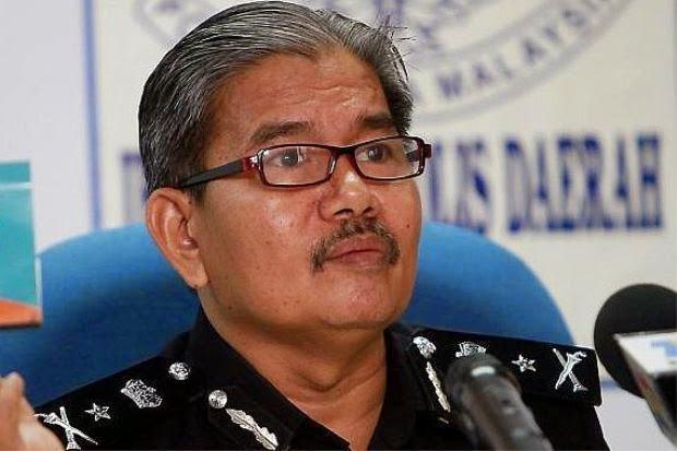 Polis Kelantan bina dua surau di Manek Urai Lama