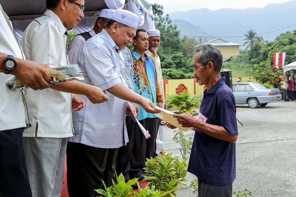 Orang luar jual tanah Kelantan