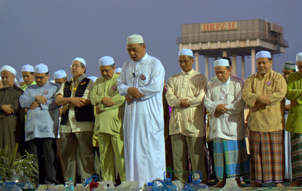 Solat hajat, munajat elak bah besar – MB Kelantan