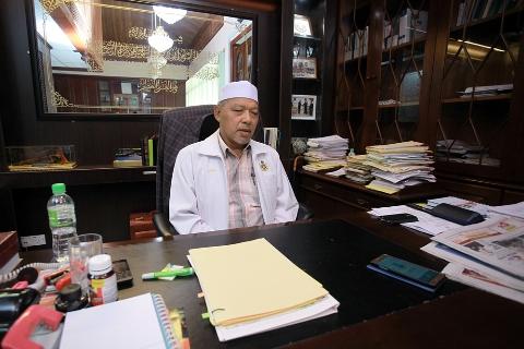 Kesihatan MB Kelantan makin baik terus tugas