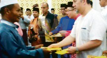 Sultan agih zakat RM150,000