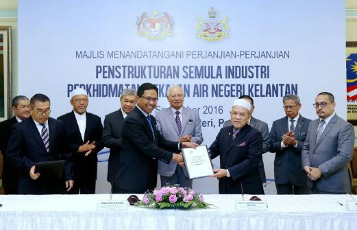 Majlis Menandatangani Perjanjian-Perjanjian Penstrukturan Semula Industri Perkhidmatan Bekalan Air Negeri Kelantan