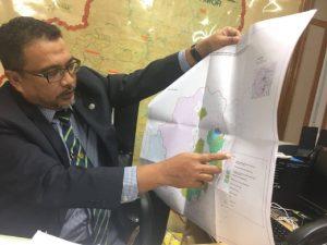 Zahari menunjukkan peta kawasan Hutan Simpan Balah, Gua Musang.