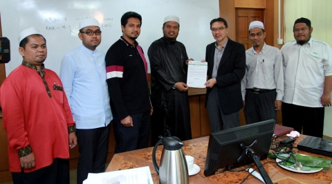 Tembelang NGO Umno dijawab penduduk
