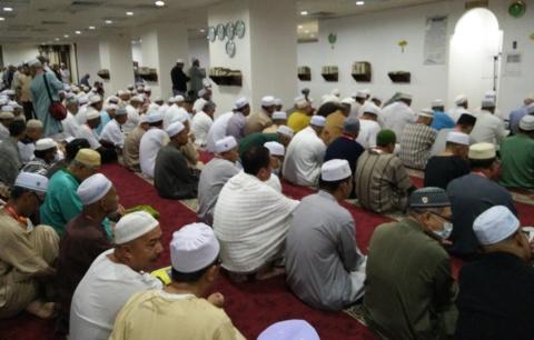 Antara surau hotel dan Masjidil Haram