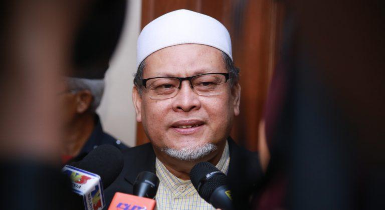 Kelantan tak halang wanita mengacara majlis di negeri ini. Tapi..