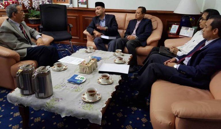 RUU 164: NGO Ummah serah memo kepada YDPA, Raja-Raja Melayu