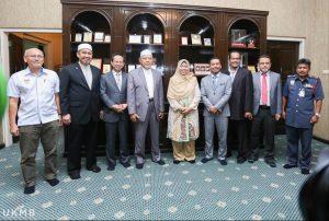 Menteri Besar menerima kunjungan Menteri Perumahan dan Kerajaan Tempatan.
