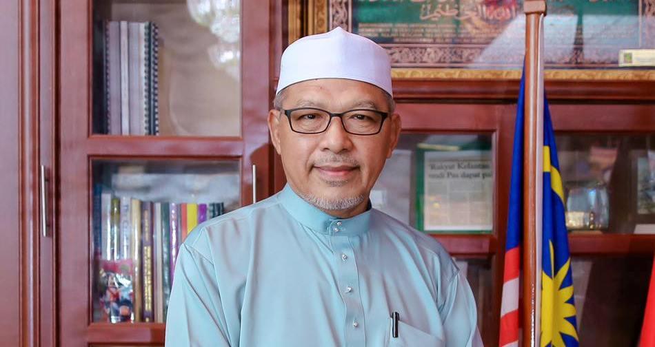 GUA MUSANG: Ada gerakan Islam luar negara terkejut apabila mendapat tahu ada pemimpin Melayu mahu menjatuhkan Kerajaan Islam, di sini